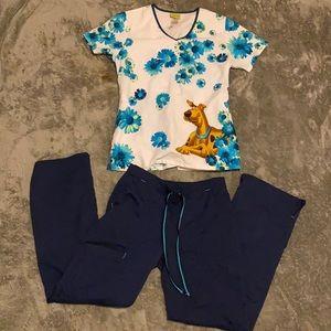 Disney top (S)/Scrub Star pants (XS) Scrub Set!